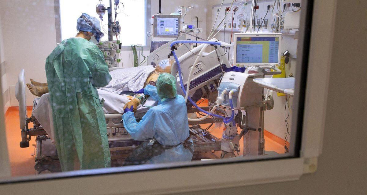 Coronavirus : un collectif de médecins réclame le rétablissement du droit de prescrire l'hydroxychloroquine